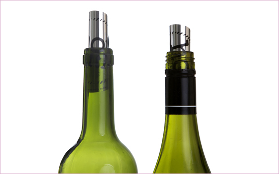 Hot Bottle Wine Pourer