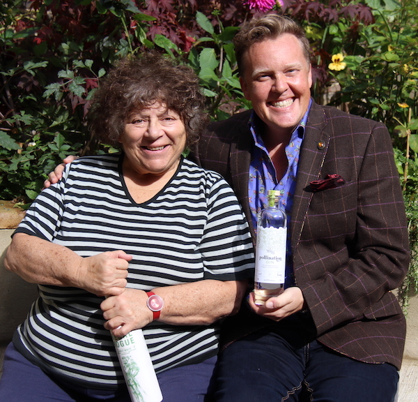 Olly Smith and Miriam Gargoyles - A Glass With